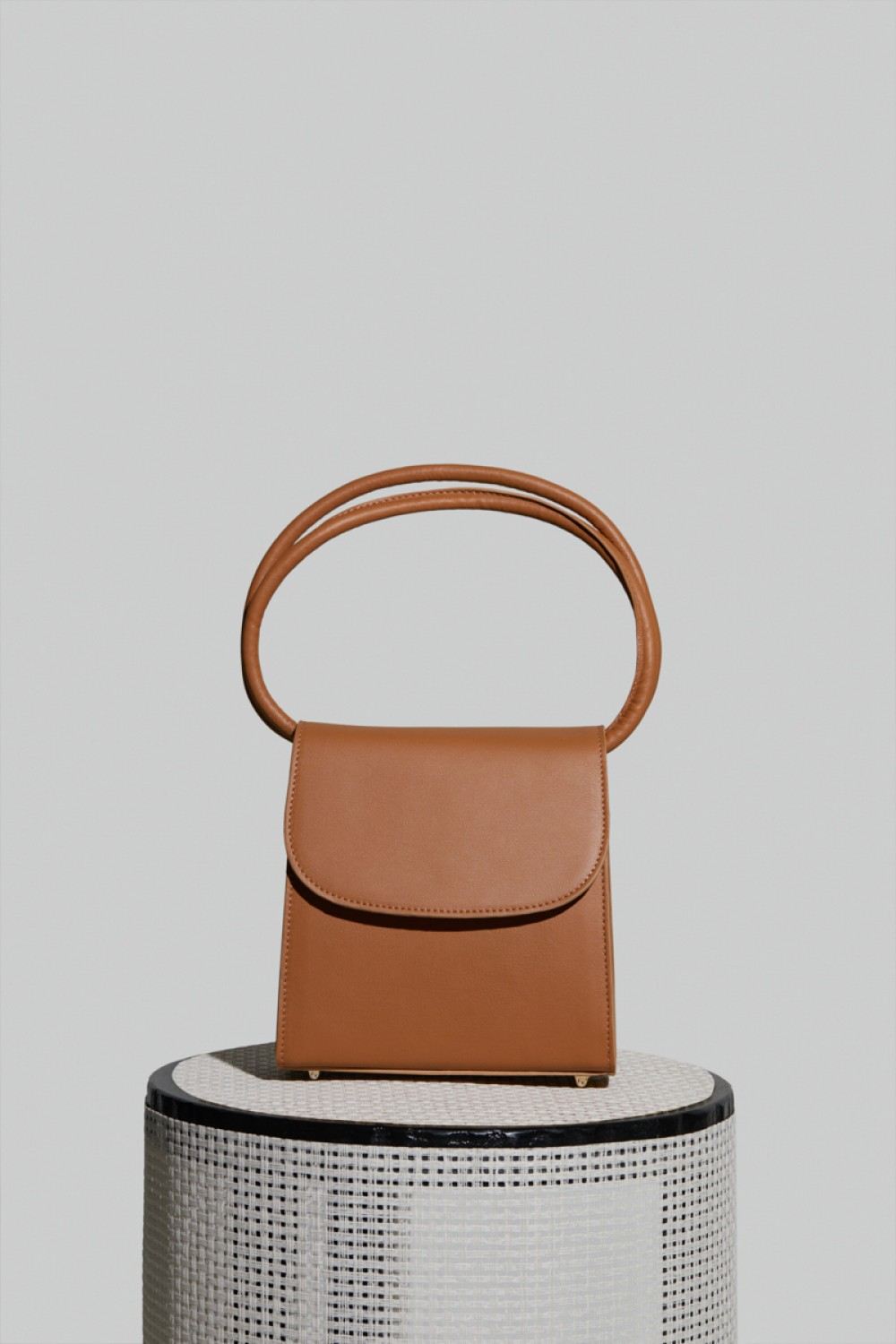 Loop Bag in Camel Leather